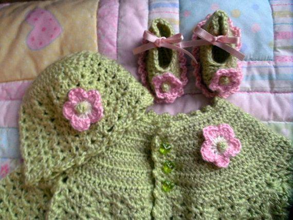 aed5edd37 Baby sweater set