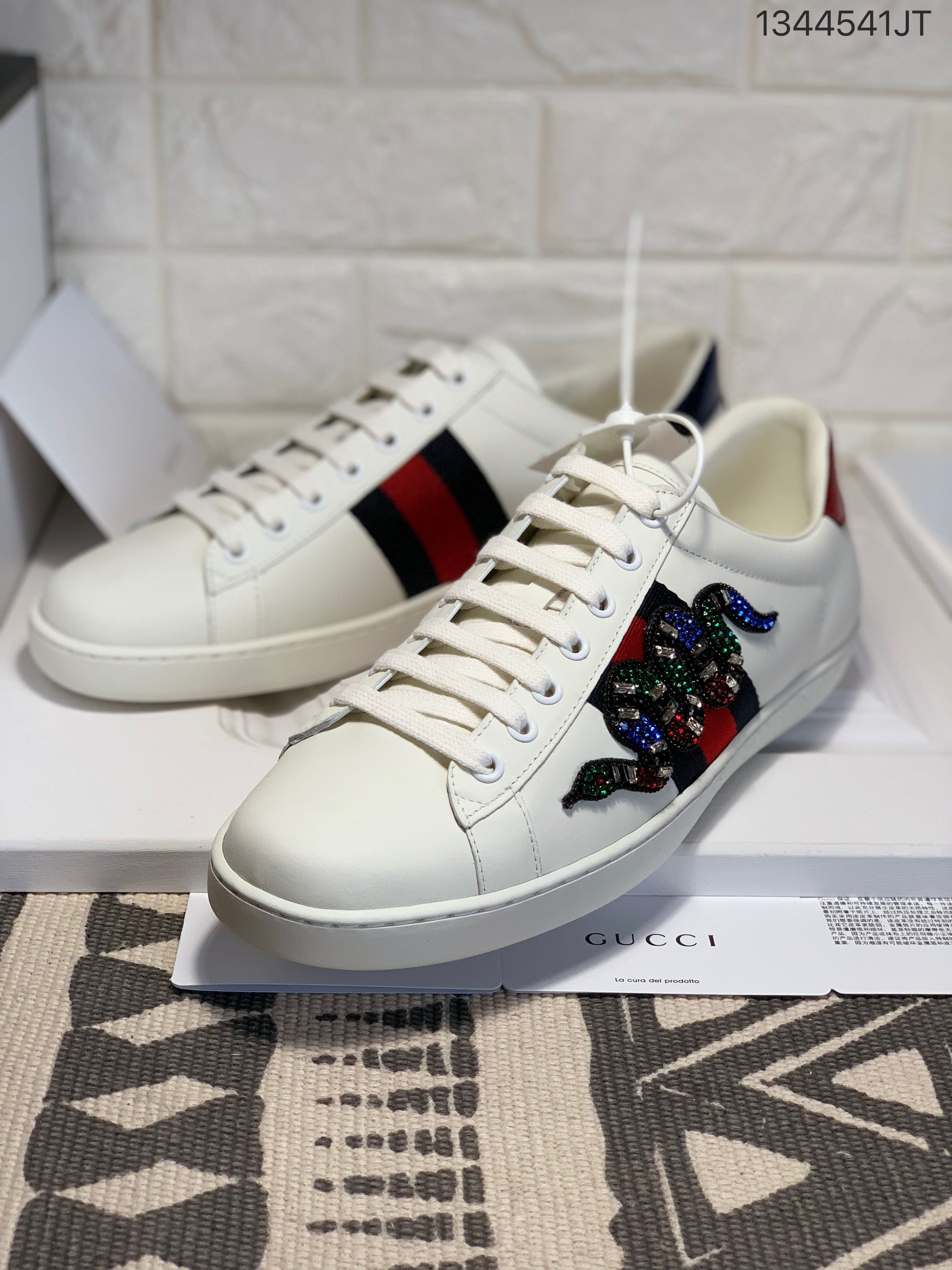 Gucci Woman Man Couple Ace Sneakers Stoned Snake Style Flats Gucci Shoes Couple Shoes Louis Vuitton Shoes