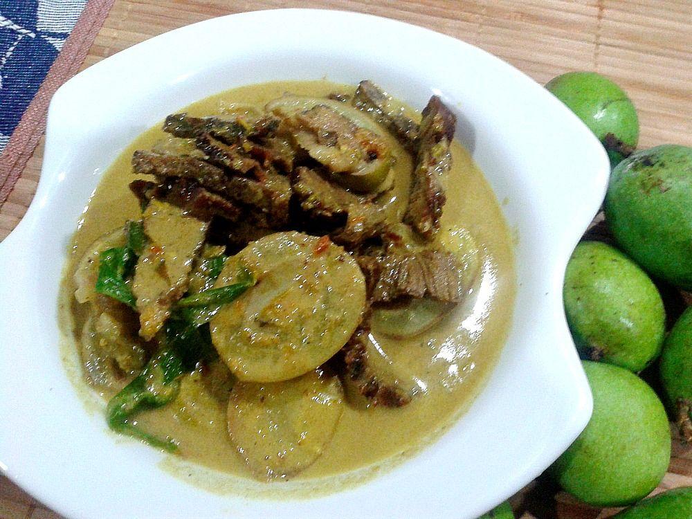 Dunia Dari Dapur Kak Jee Lemak Pedas Daging Salai Dan Mangga