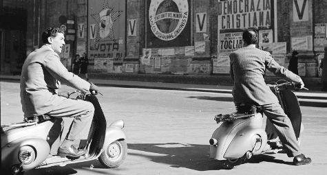 Vespa Piaggio (Photo by Evans/Getty Images)