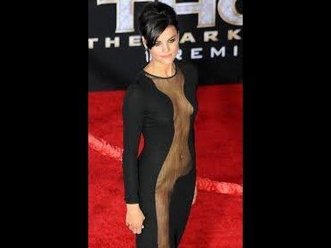 Semi-Exclusive Kate Upton Has A Wardrobe Malfunction At