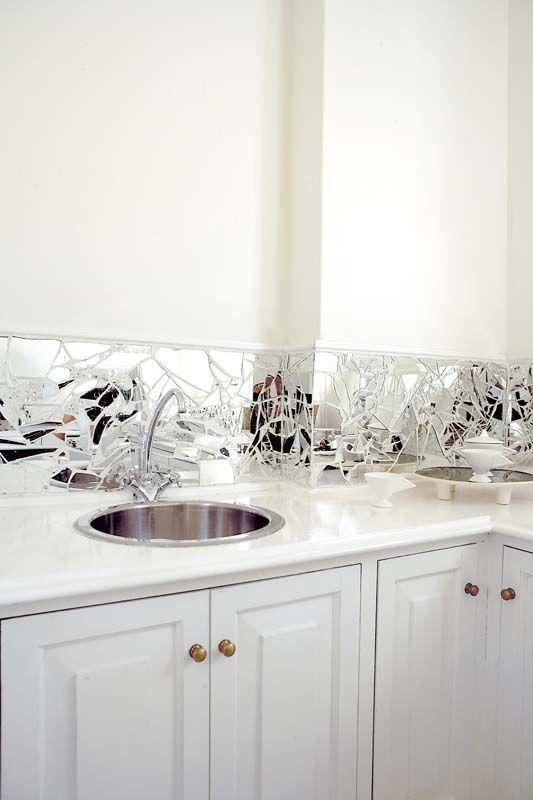 Sakarton bricolage pinterest livres broken mirror and musique for Shattered mirror bathroom floor