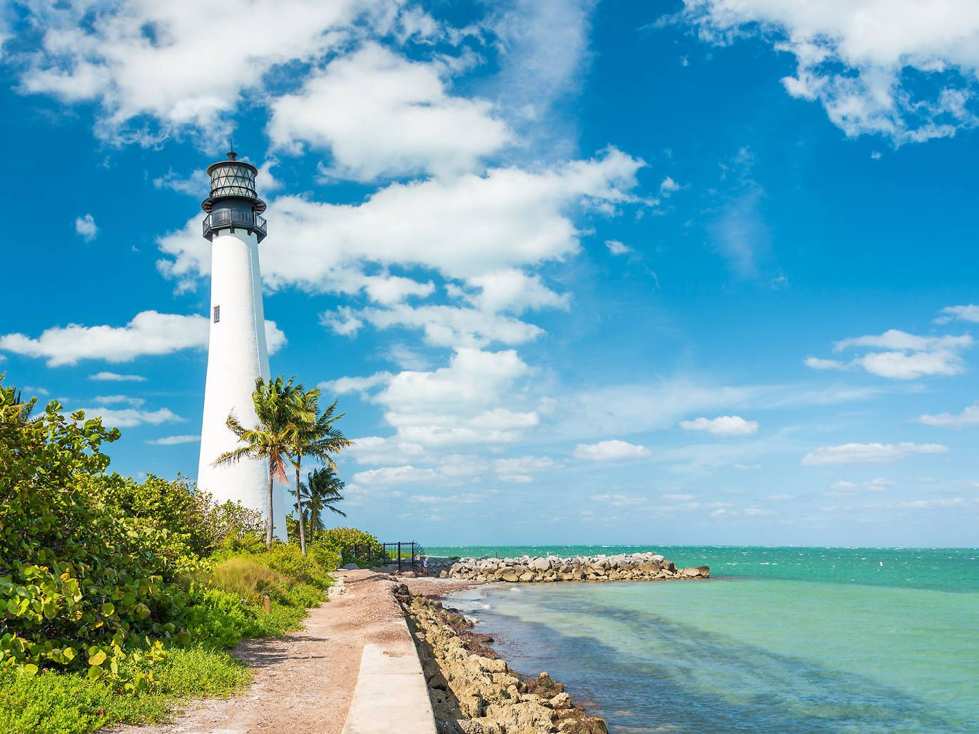 The Best Things To Do In Miami Right Now Florida Lighthouses Key Biscayne Florida Cape Florida Lighthouse