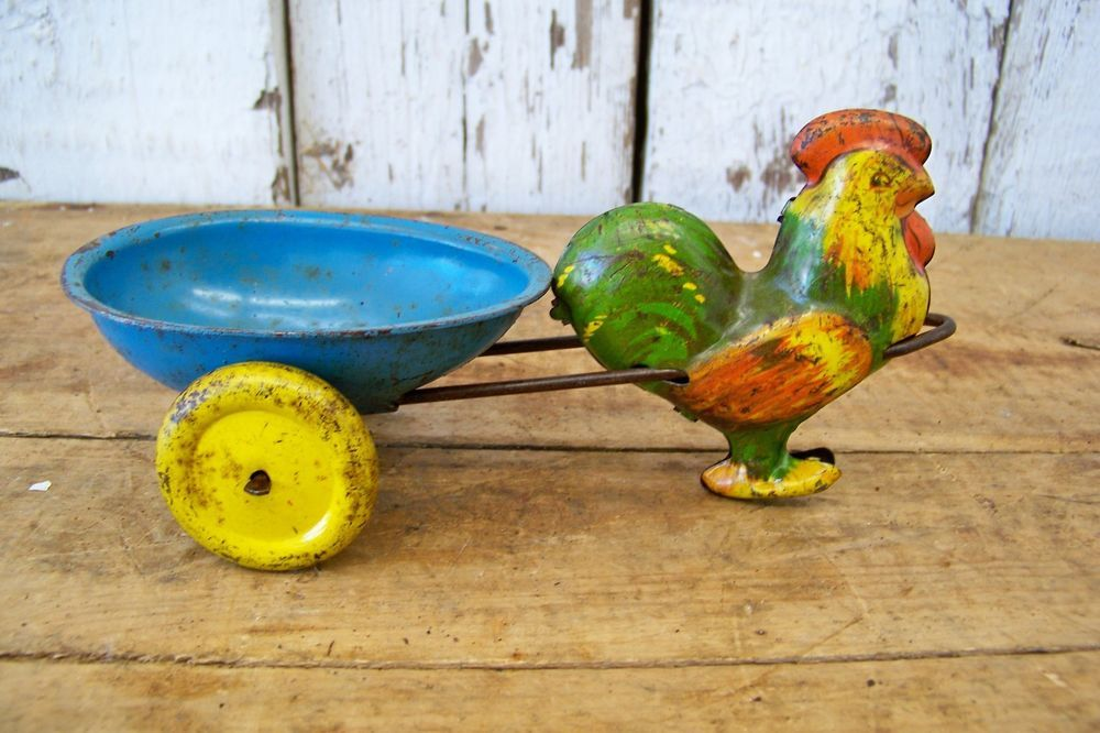 Old Vintage Tin Chicken Rooster Toy Shabby Primitive