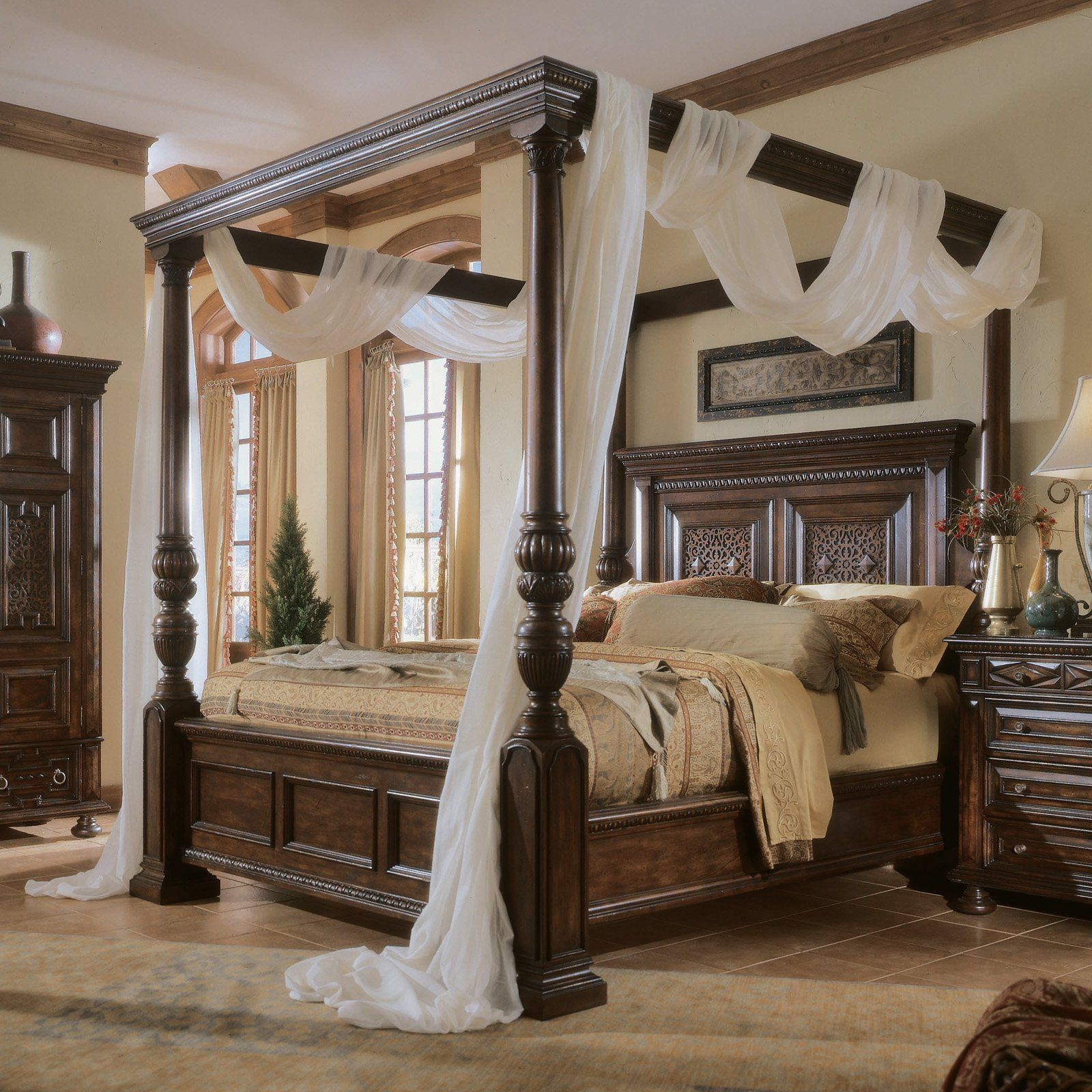 15 Most Beautiful Decorated And Designed Beds Canopy Damask Curtains And Tudor Style