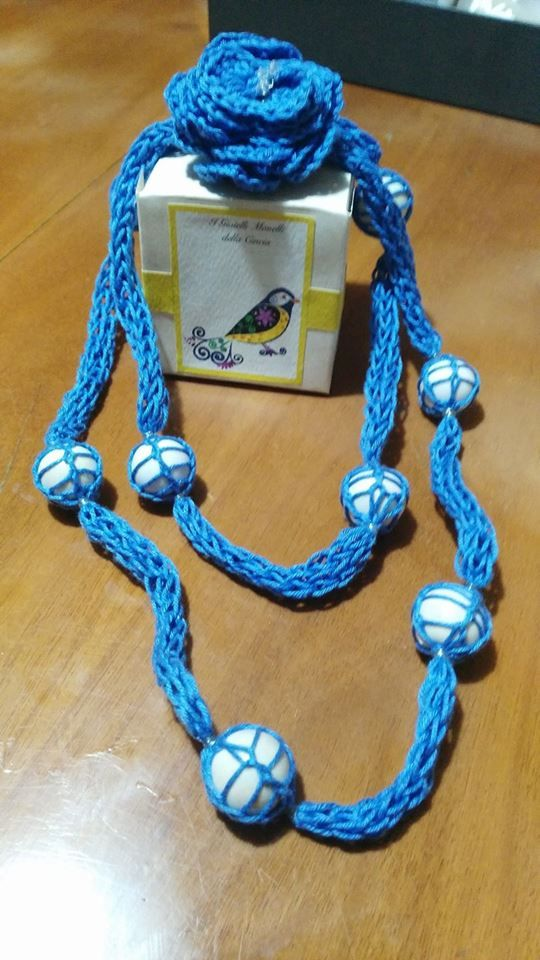 """Tecnica : tricotin + crochet_Serie """" Gioielli Monelli""""_Modello Fleur"""