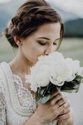 Hochzeitsfotos: OH.ELLA Dirndl: Alpenherz Location Free Hochzeit: Lisa Alm Schuh…