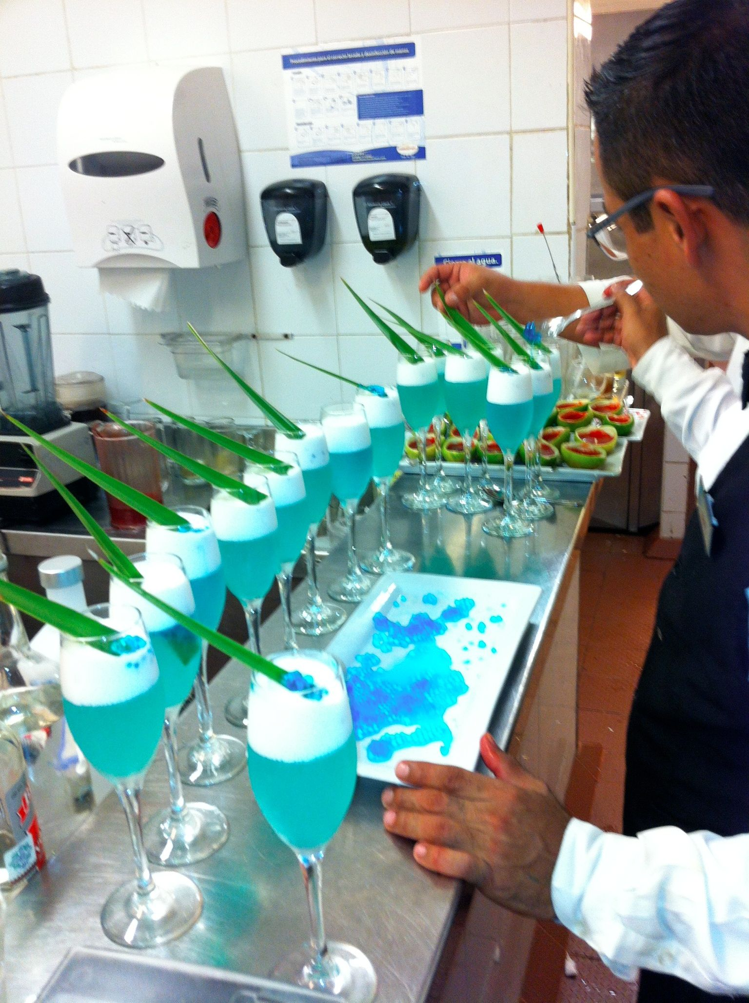 One of our events with molecular cocktails at now jade in cancun q roo. Follow our page http://www.facebook.com/TexturasBarMolecularMovil
