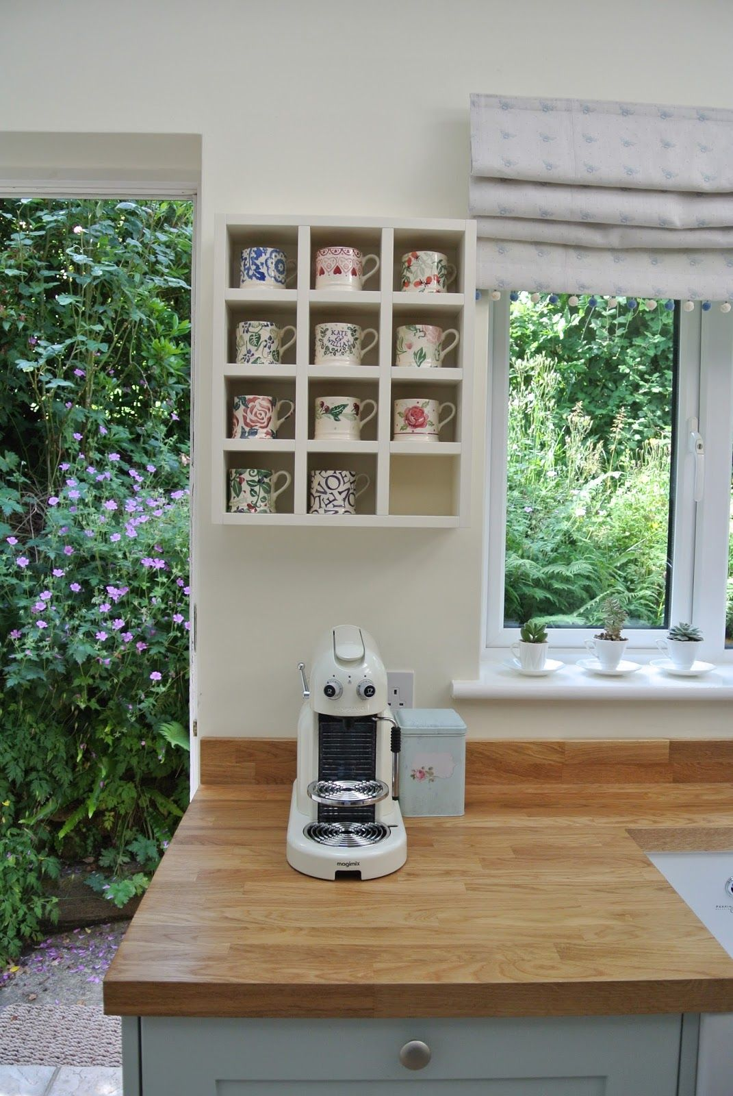 Could Do With A Display Unit Like This For My Bridgewater Mugs Home Coffee Stations Diy Kitchen Country Kitchen