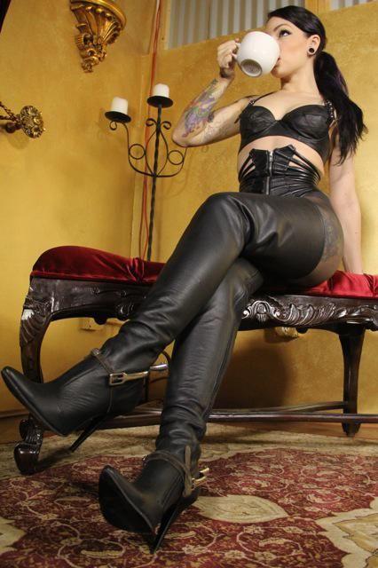 Sugar daddy leather boots worship porno mitmachen