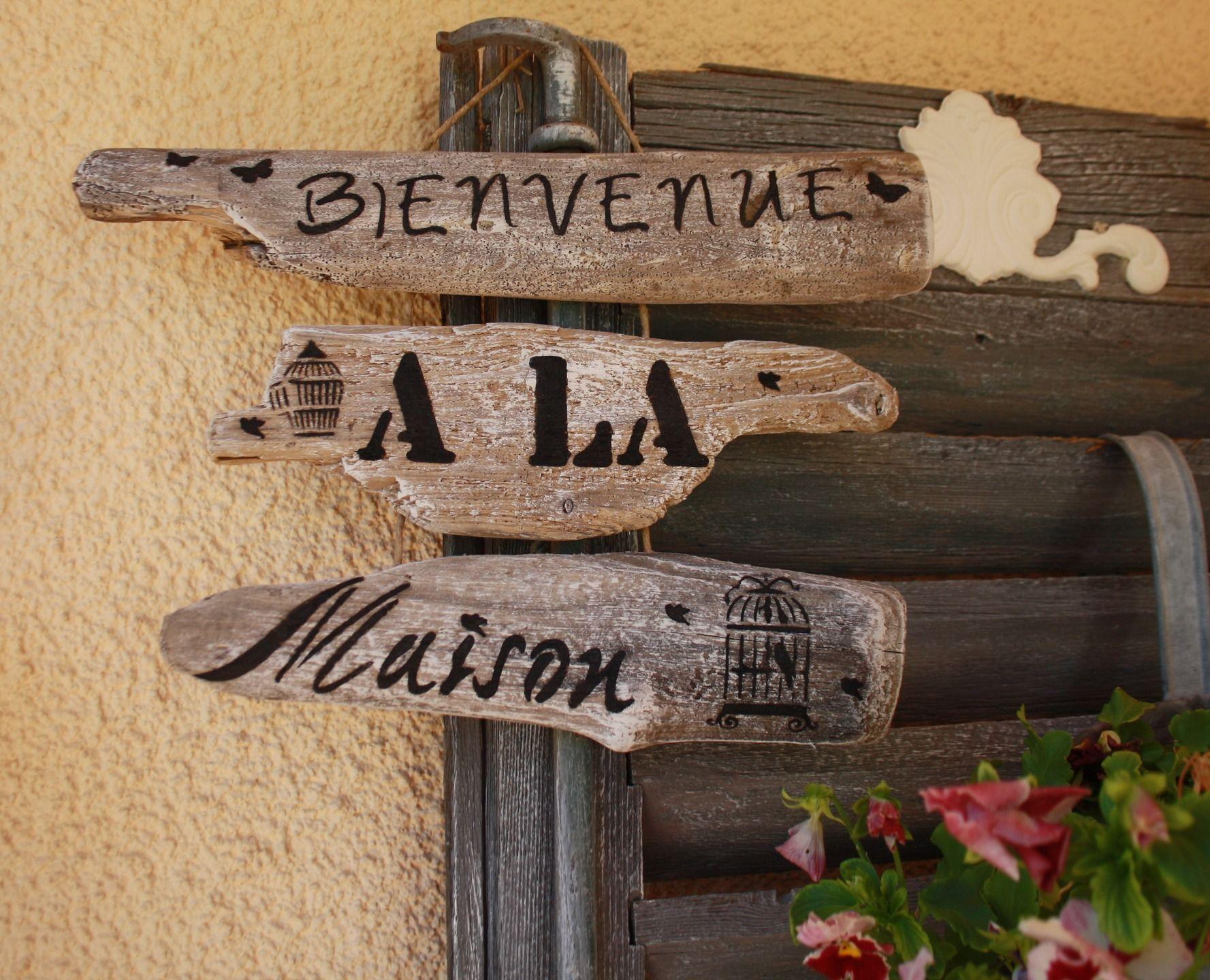 """Bois flotté reyclé en pancarte """"bienvenue à la maison"""