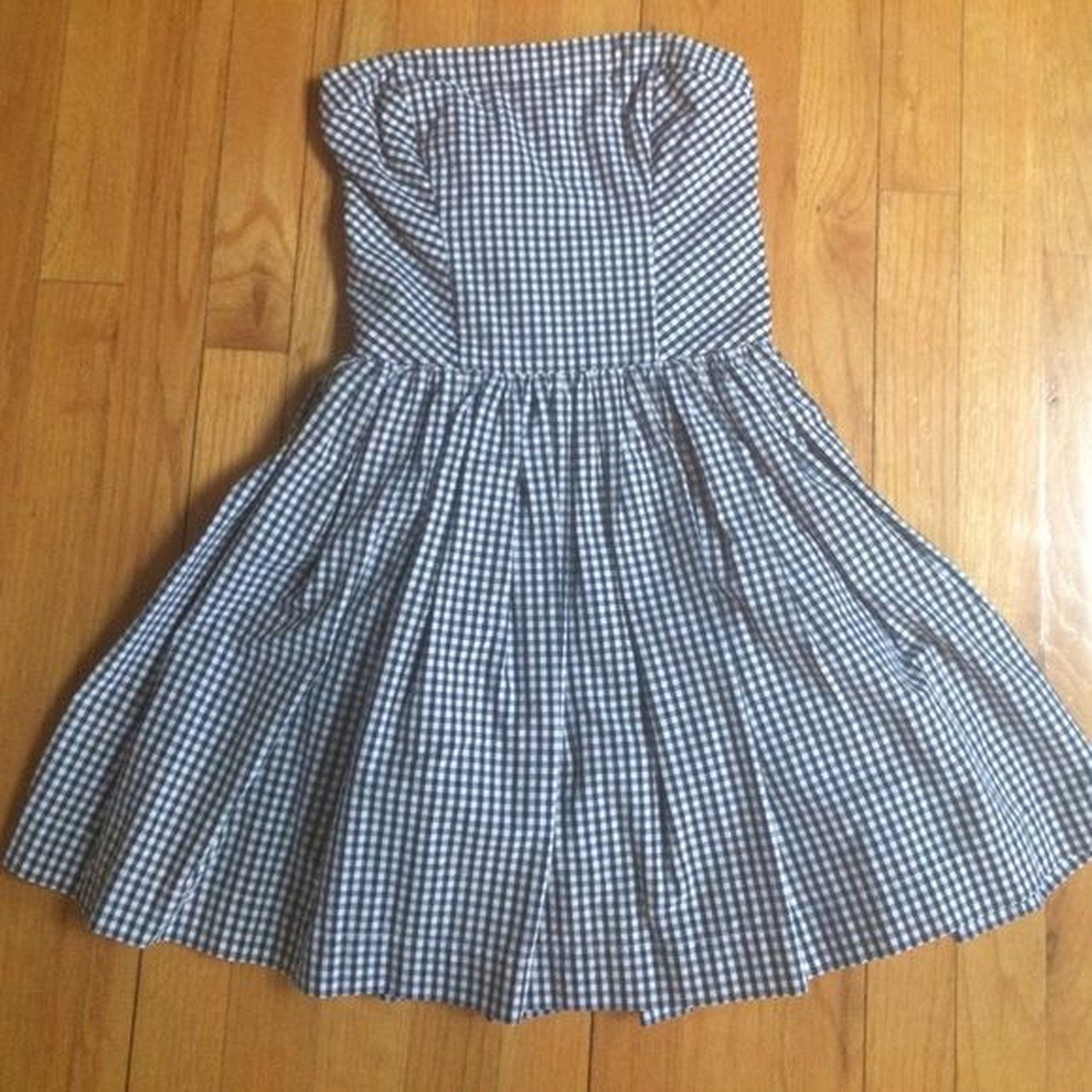d54f6ee8062 Abercrombie   Fitch Plaid Strapless Dress. Size S so would a - Depop ...