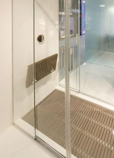 Folding Shower Seat   MAKRO