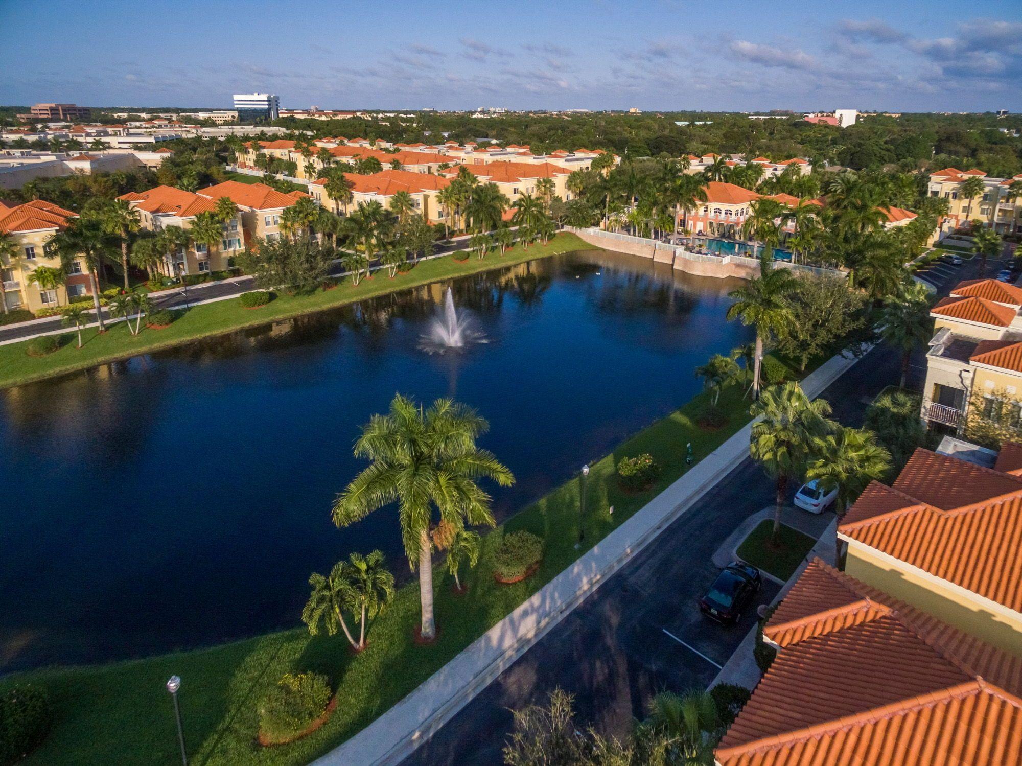 0cdb1ca95b385973864f4dbb8f4fccd5 - Legacy Place Condominiums Palm Beach Gardens