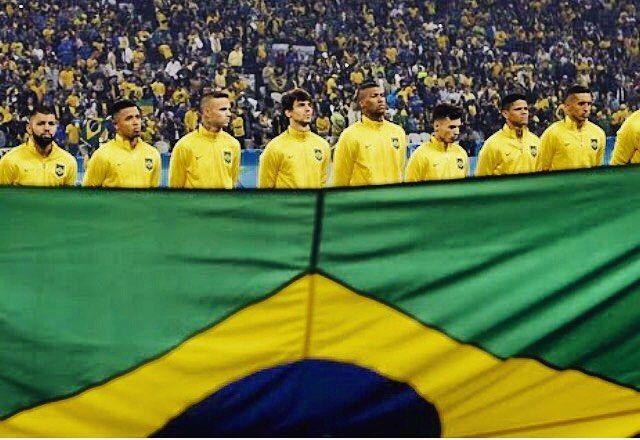 Seleção em campo! Fhits na torcida Brasil! #FhitsRio
