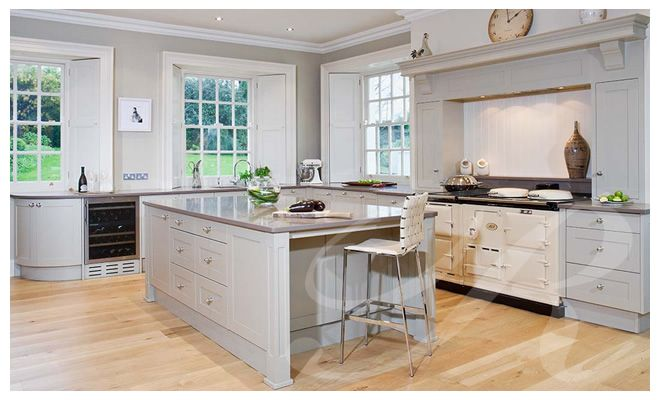 Shaker style kitchen with cream aga cooker classic for Kitchen designs with aga cookers