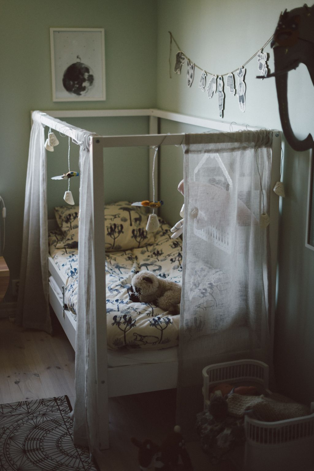 Some of us may focus on making the bed comfortable with thick mattresses and beautiful bedding but neglect the bed canopy. In fact bed canopy is also one ... & Meeting Pernilla by Babes in Boyland | L I T T L E ...