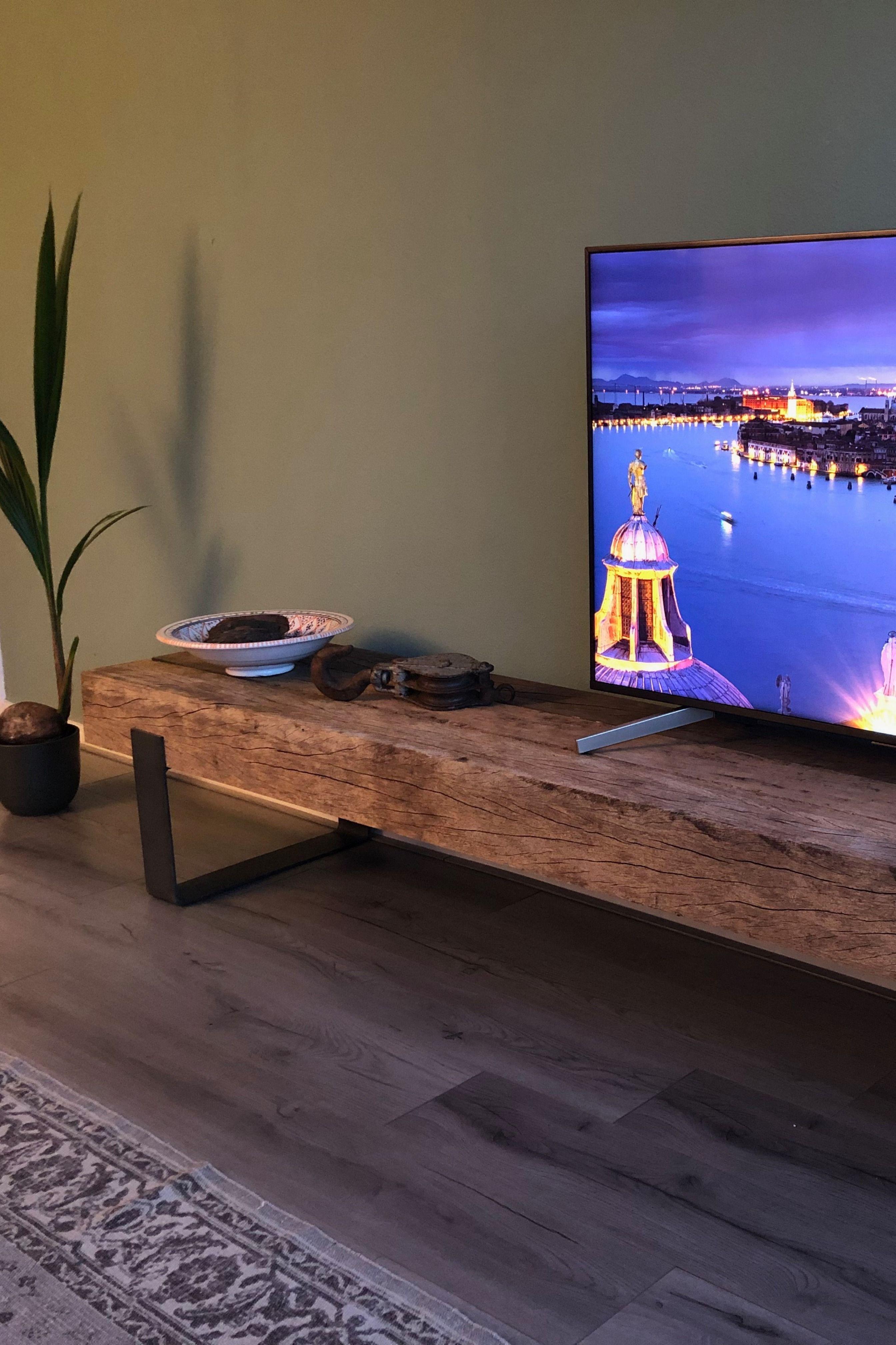 Hard Houten Tv Meubel.Uniek En Op Maat Gemaakt Tv Meubel Van Authentieke Hardhouten