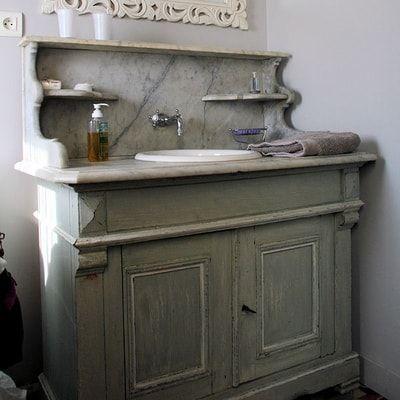 un meuble de barbier pour accueillir la vasque | SALLES DE BAIN ...
