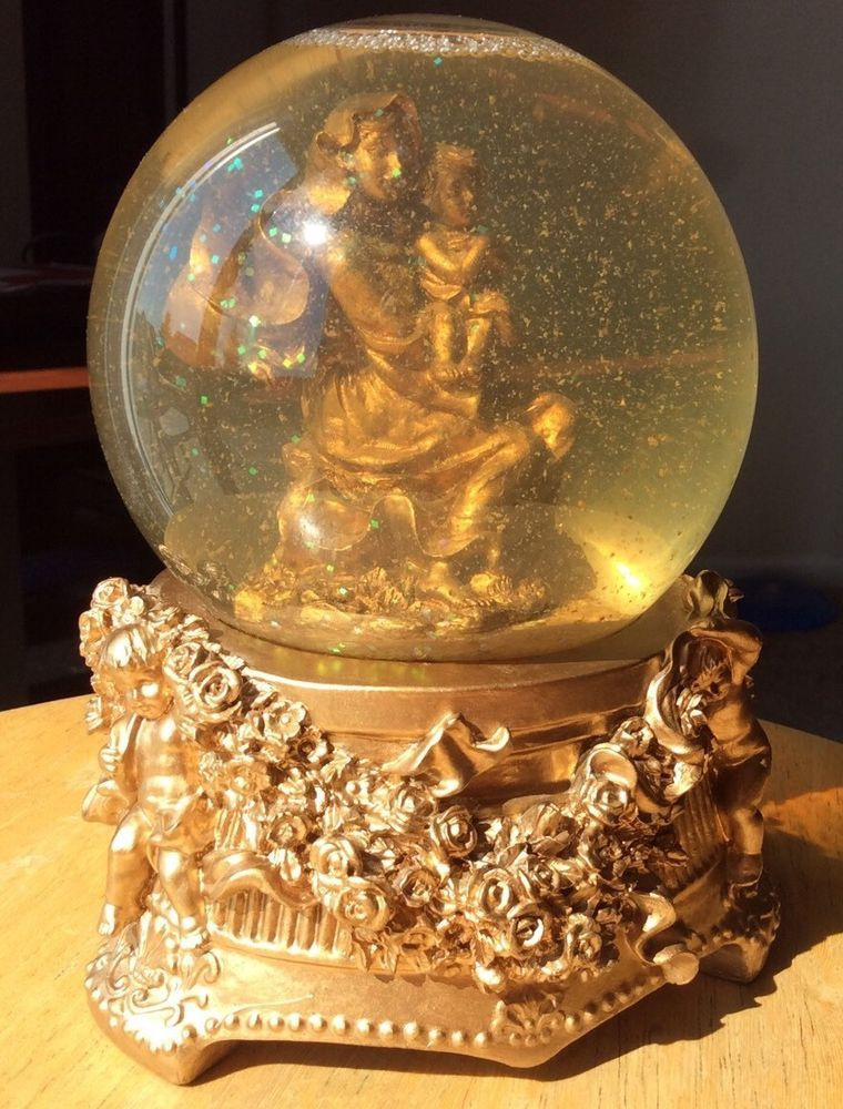 Vintage musical snow globe with Mary and Baby Jesus, plays Joy to the World, great for Christmas! eBay