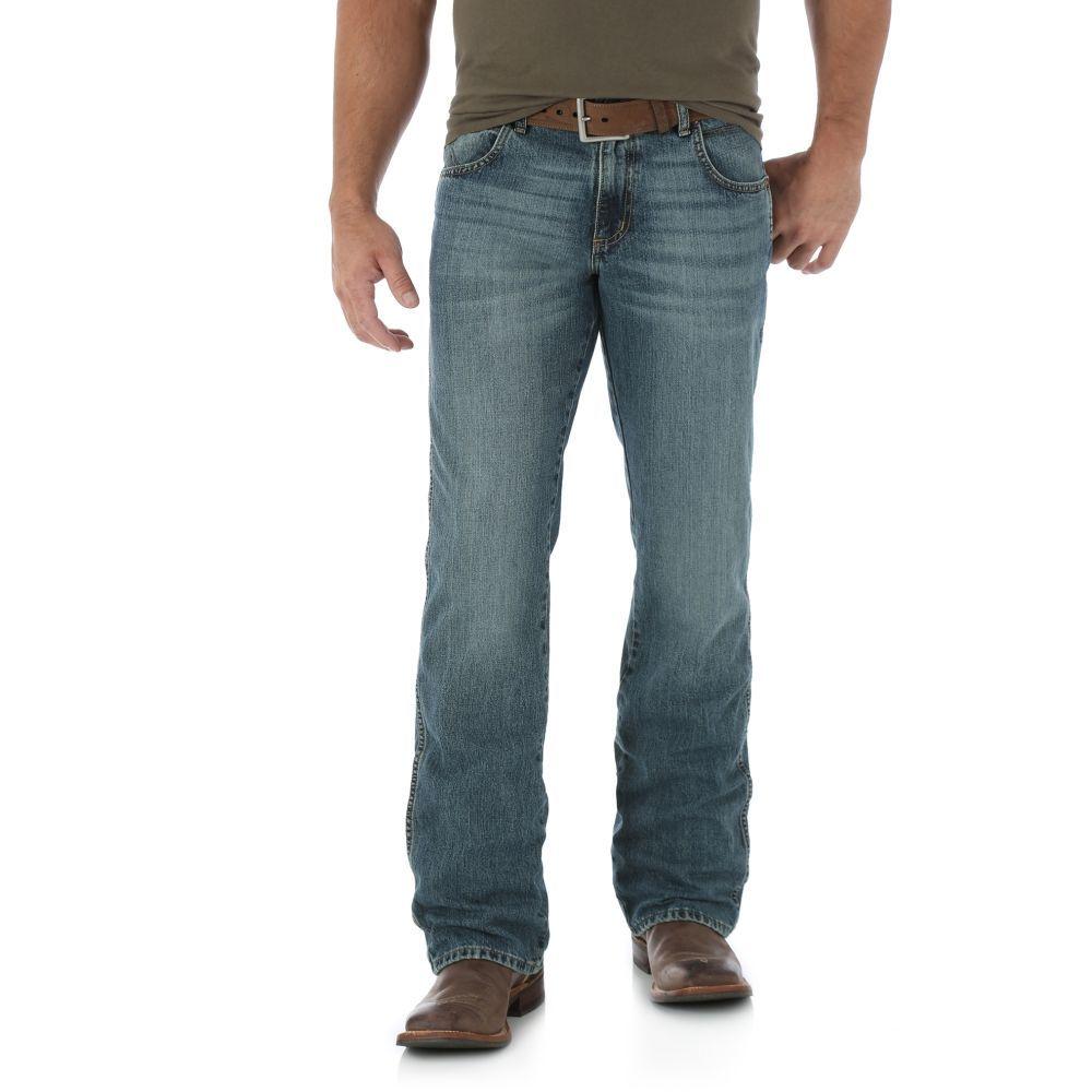 Wrangler NEW Blue Men/'s Boot Cut Leg Relaxed Comfort Fit Mid Rise Denim Jeans