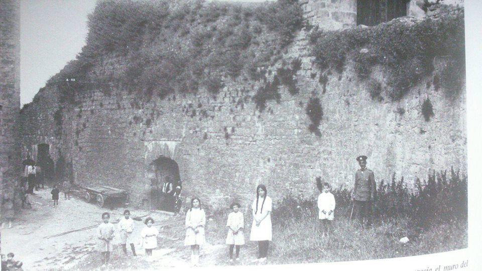 1915-CALLE  JUAN  DEL  LABRIT  - Baluarte del Labrit-MURALLAS-