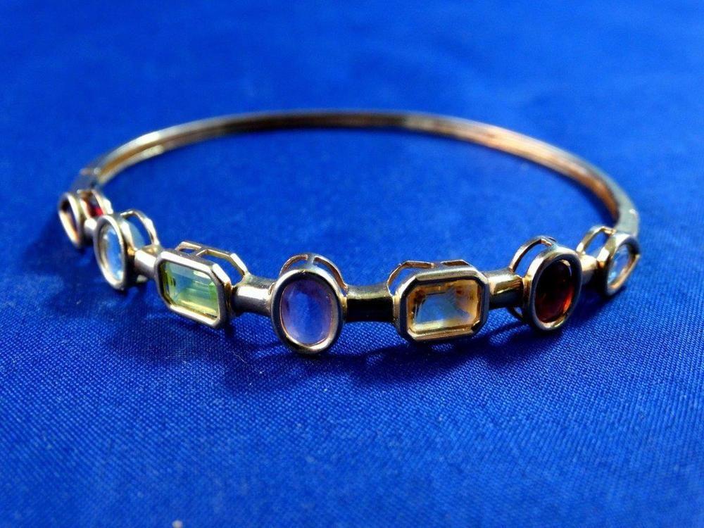 Fine 10kt Yellow Gold Bangle Bracelet  5.5 TCW, Multi Colored Stones