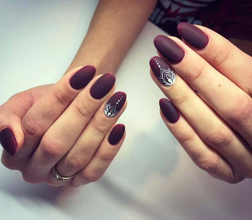 Matte burgundy nails with white pattern | Nails | Pinterest | Prom ...