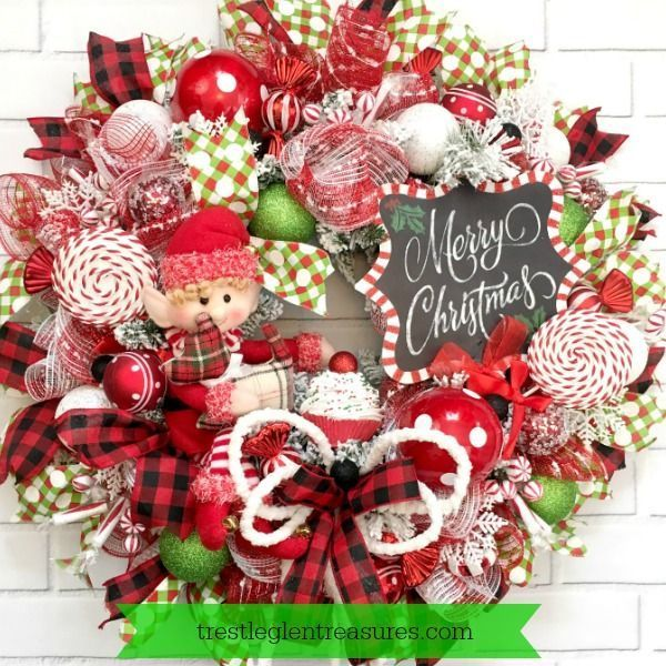 Home Decoratingtips: This Elf Wreath Is So Cute And Will Make My Front Door