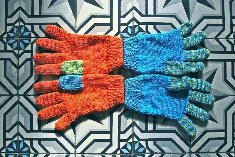 Des gants à 2 aiguilles avec tuto - les 7 jours d'Hélène   Gant, Tricot idée et Tuto mitaines