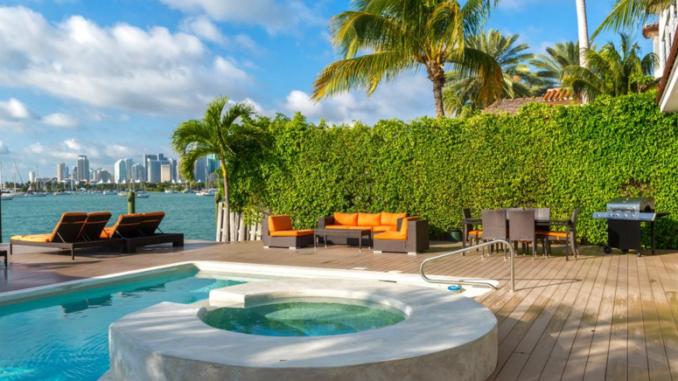 Aluguel temporada Casas em Miami , uma excelente ideia para famílias e grandes grupos. / Vacation Houses in Miami . an excellent idea for families and big groups.