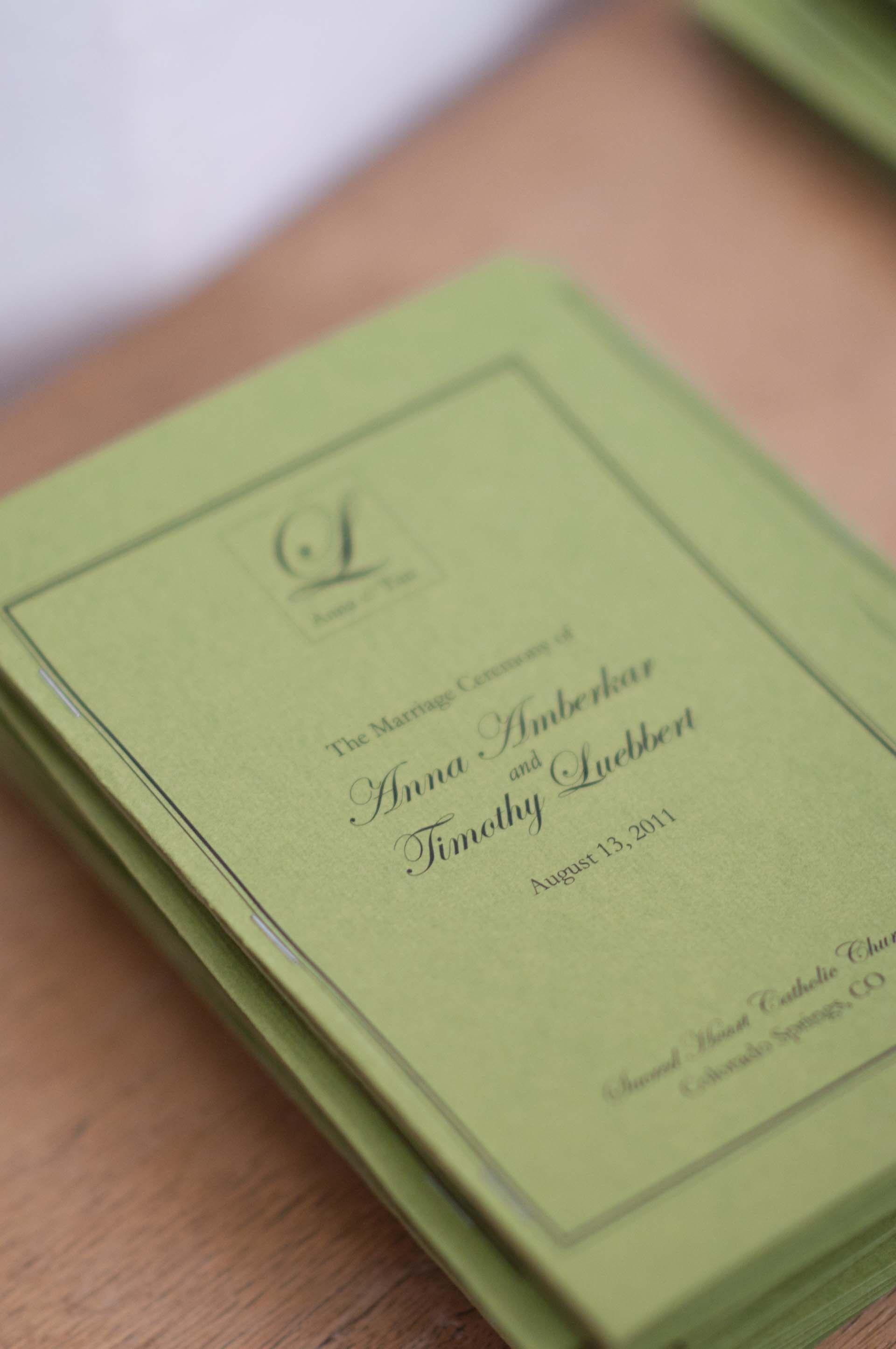 Beautiful green paper brdsvyjalc stationery