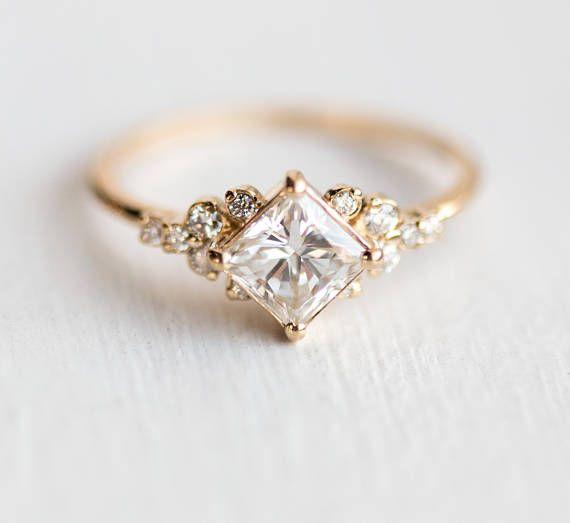 Photo of Stargaze Ring 3/4 Karat in 14 k Gold / / 5mm Prinzessin Schnitt Diamant-weiß-symmetrische Cluster-Ring / / Diamant-Verlobungsring aus massivem 14 k Gold