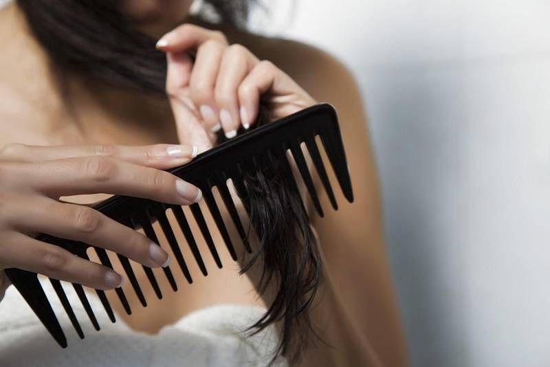 Dùng lược thưa để chải tóc   Khỏe mạnh, Dầu gội, Chai