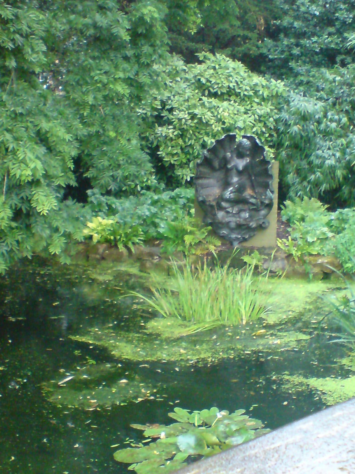Twickenham Beauty Fairy Garden Bird Bath Outdoor Decor