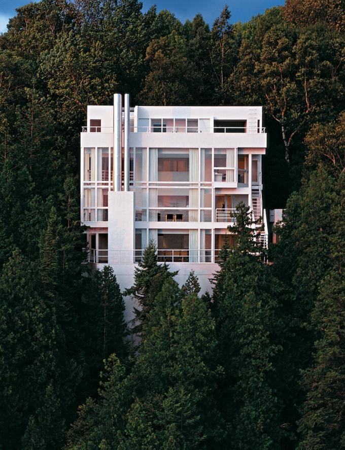 Douglas House, Harbor Springs, MI. Photography © Ezra Stoller/Esto. Courtesy of Taschen.
