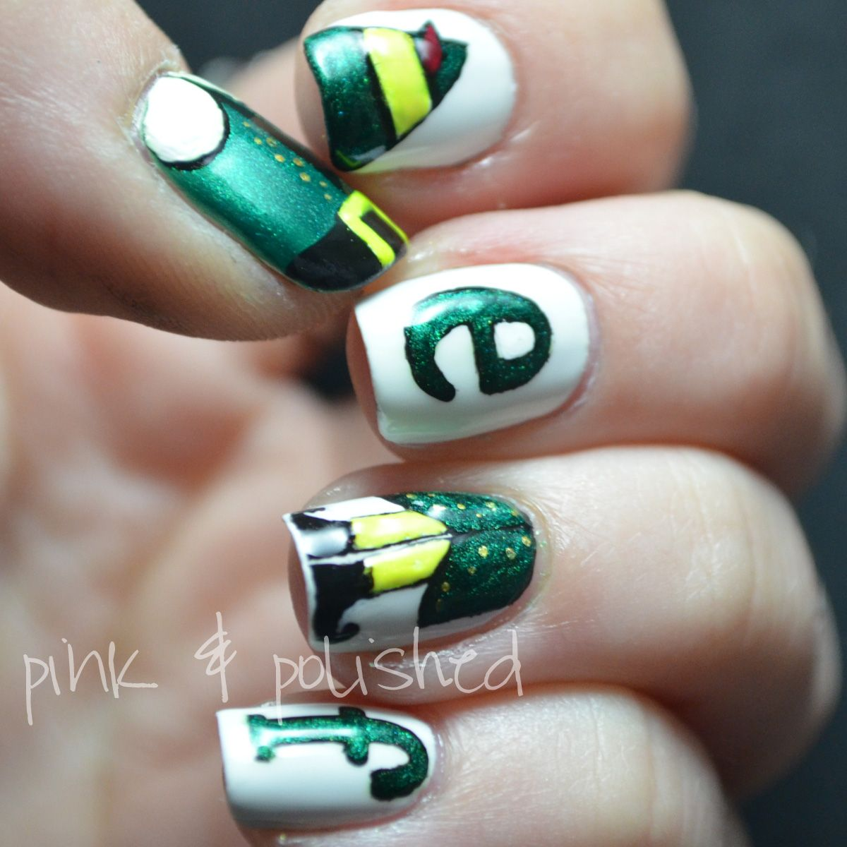 Christmas Nails Elf: Pink & Polished Christmas Elf #nail #nails #nailart