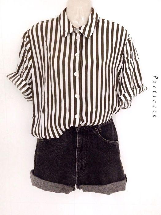 Mein Minimalistische Vintage Streifen Muster Bluse / Hemd von true vintage! Größe 42 / M für 26,00 €. Sieh´s dir an: http://www.kleiderkreisel.de/damenmode/blusen/136932255-minimalistische-vintage-streifen-muster-bluse-hemd.