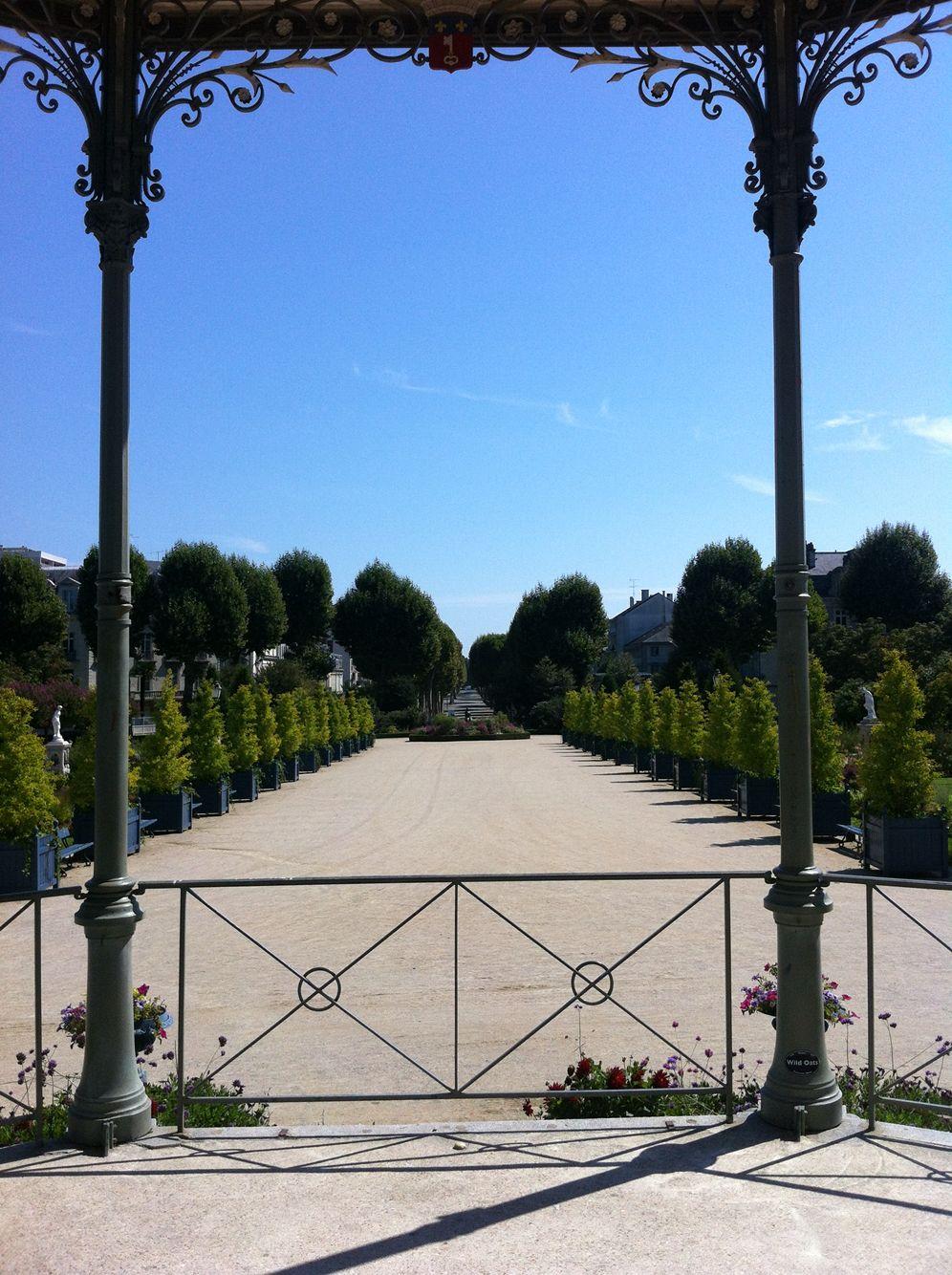 Angers - Jardin du Mail vu du Kiosque à musique | Angers | Pinterest ...