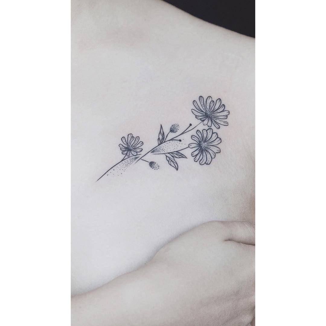 Fun Little Daisies Tattoo Ink Tattoogirl Fineliner Chrysanthemum Tattoo Sunflower Tattoo Small Aster Flower Tattoos
