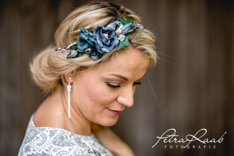 Haarbluten C1 Boho Festival Haarkranz Blumenband Oktoberfest Ein Designerstuck Von Perle Wismer Bei Dawanda Frisur Hochzeit Haarkranz Brautfrisur