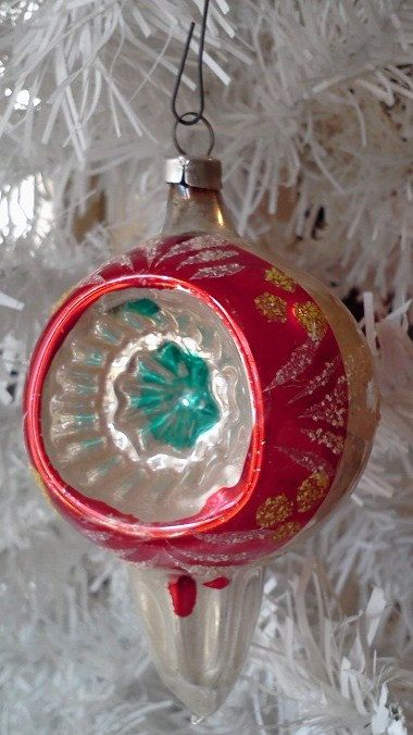 Double Indent Reflector Christmas Ornament Blown Glass West Etsy Christmas Ornaments Vintage Christmas Ornaments Vintage Christmas