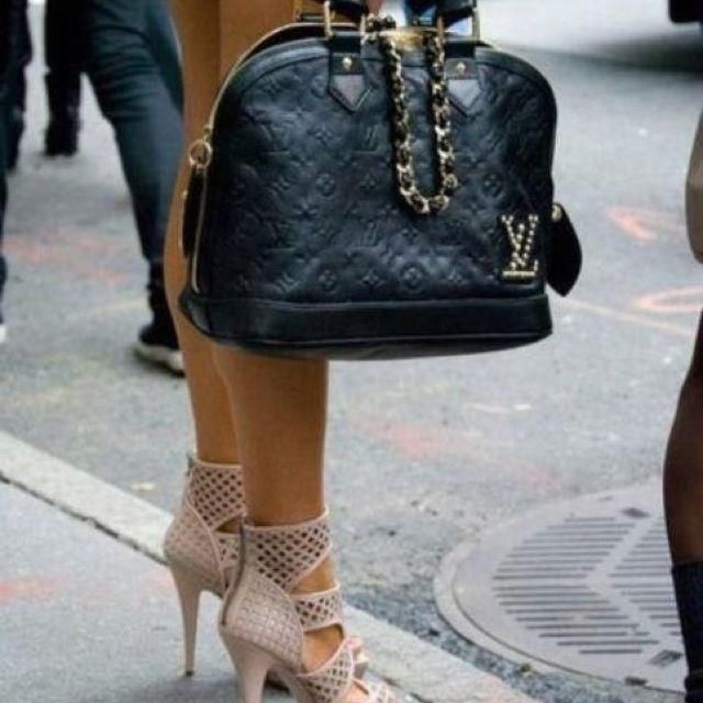 my dreammmmm LV bag no knock offs allowedI must have it one day