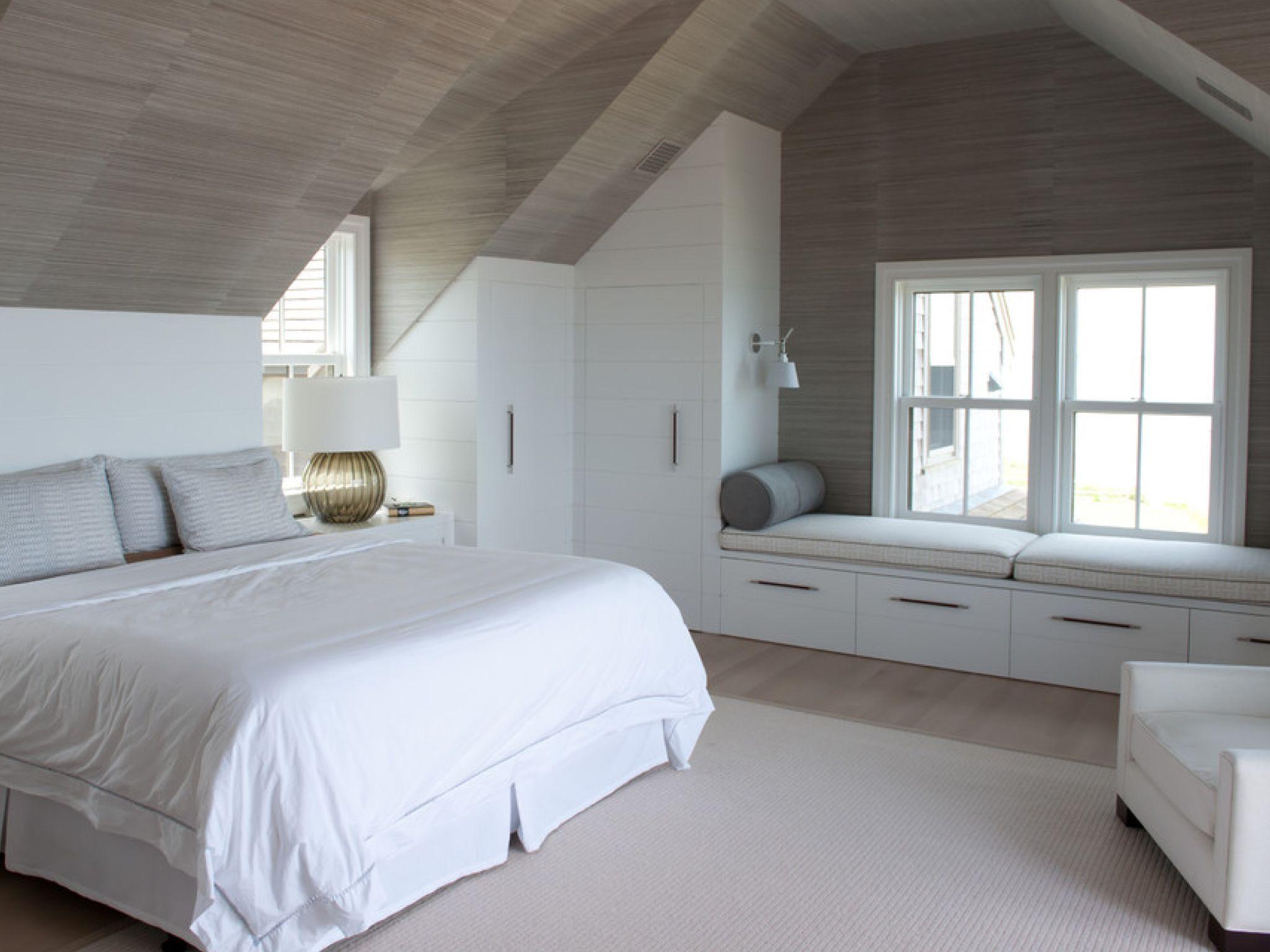 Pin by klaas on Bedrooms  Sloped ceiling bedroom, Loft room