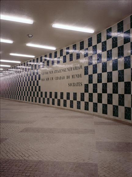 cffa76011eb Sítio da Câmara Municipal de Lisboa  equipamento www.cm-lisboa.pt432 ×  576Pesquisar por imagens Azulejos na Estação de Metro da Cidade  Universitária