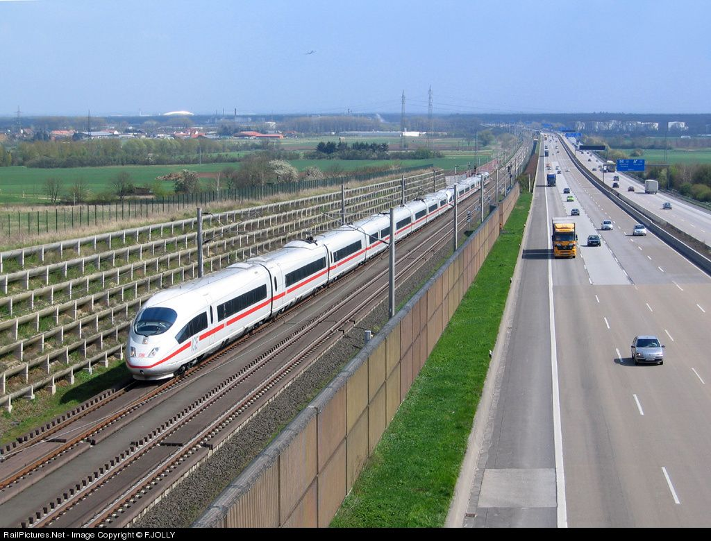 @mamatea_de  RailPictures.Net Photo: Deutsche Bahn ICE 3 at Frankfurt (Main), Germany by F.JOLLY