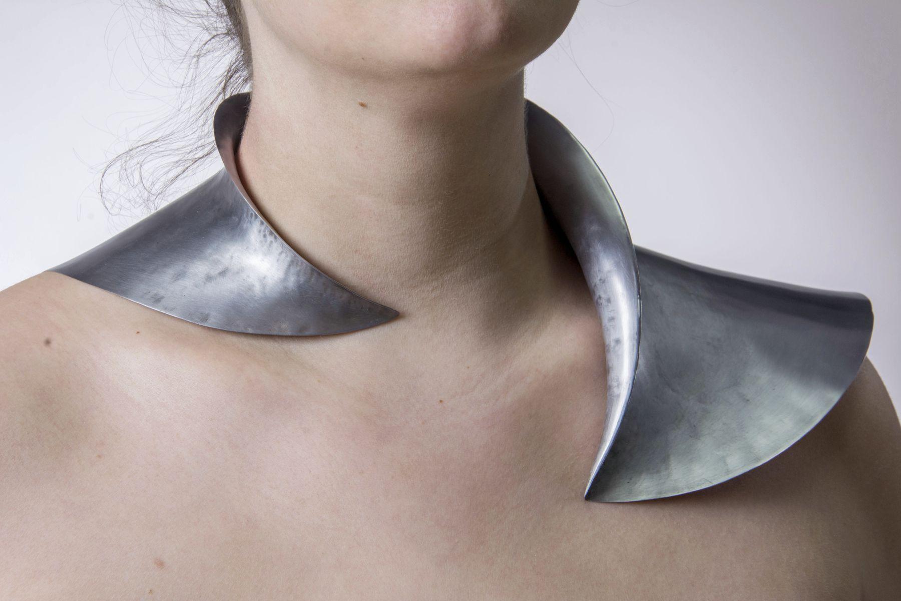 Strength - Anna Koplik - Jewelry BFA Pratt School of Art 2016  Specialisms: Jewellery / Silversmithing / Fine Art / Design New York, United States