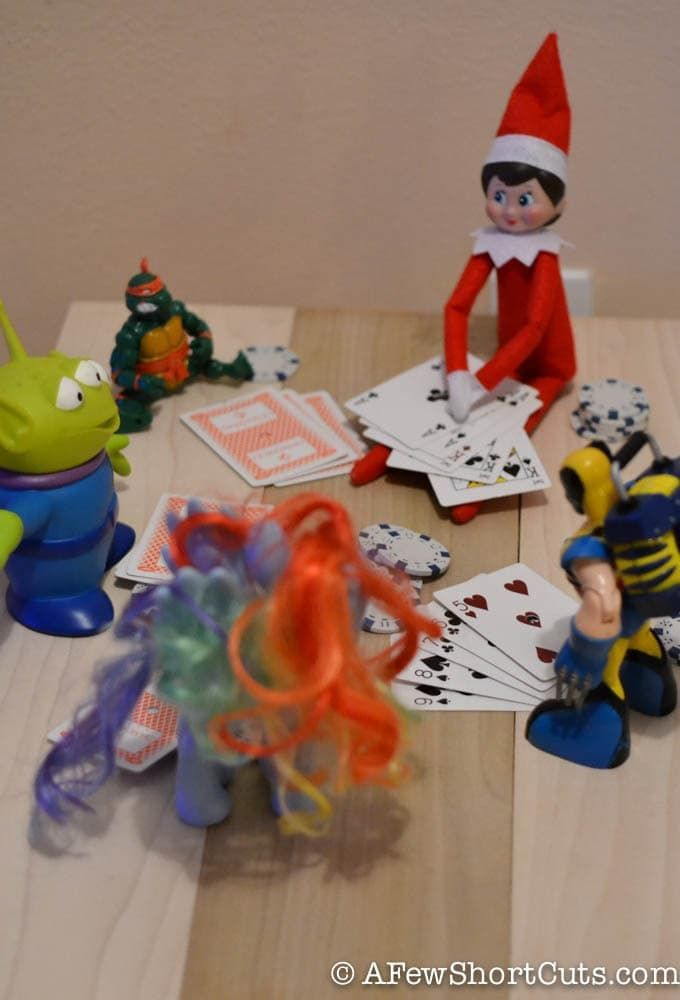 Poker Night - Elf on the Shelf Idea #lutincoquin