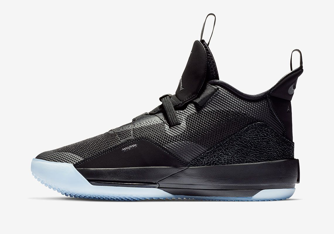 on sale 09277 a2bea The Air Jordan 33 Blackout Releases On November 29th