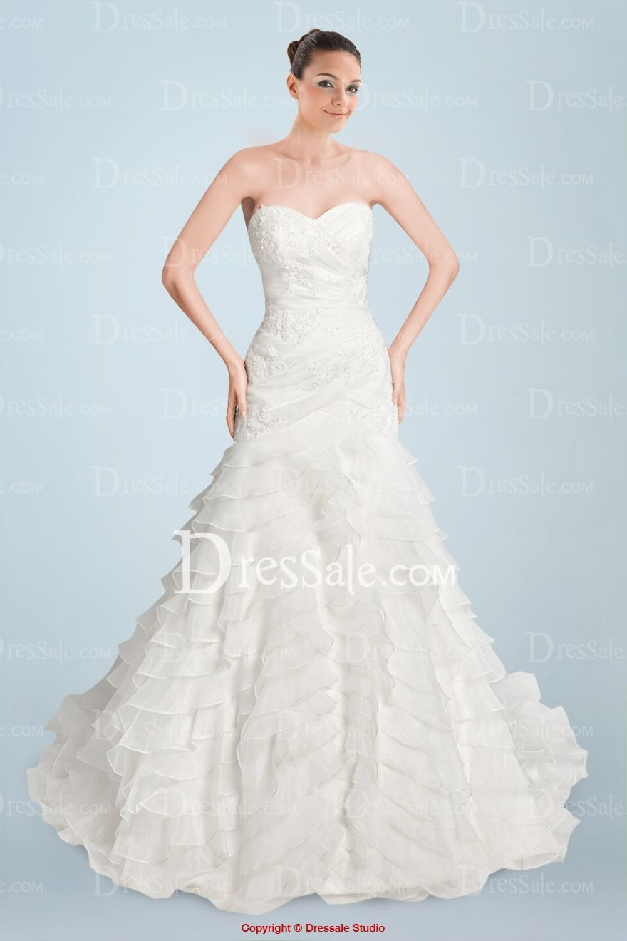 Fantastic Sweetheart Neckline A-line Bridal Dress with Appliques and Tiered Ruffles